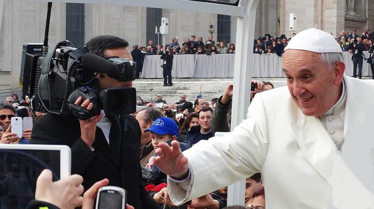 Papa aceita a união gay