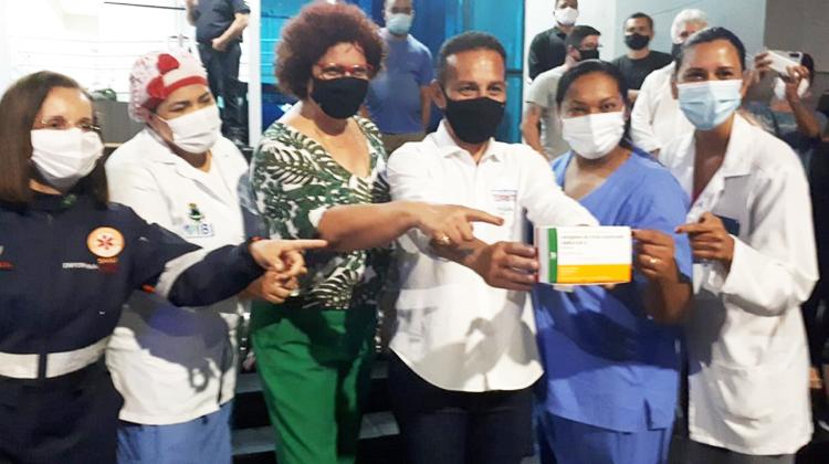 A vacina em Cotia