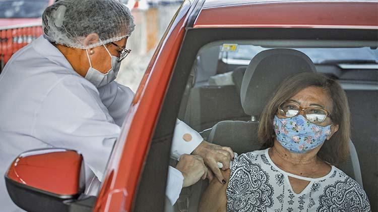 Acompanhe a vacinação COVID na região