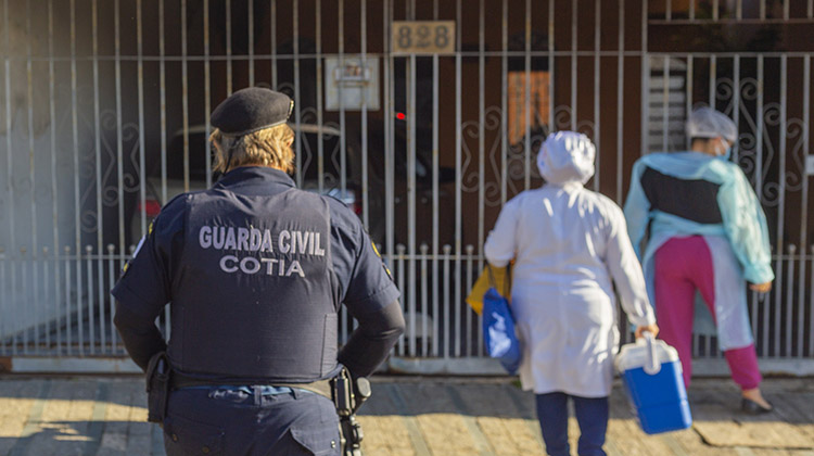 Secretaria de Saúde vacinou contra Covid quase mil pacientes acamados e restritos ao lar