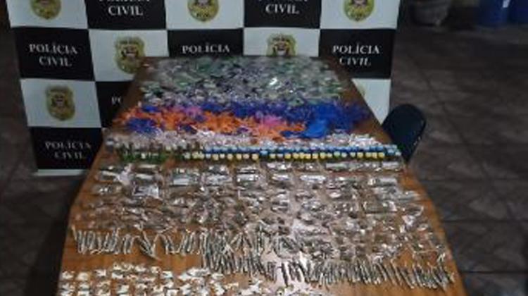 Dise de Carapicuíba detém casal com mais de 2 mil porções de drogas que seriam distribuídas na cidade