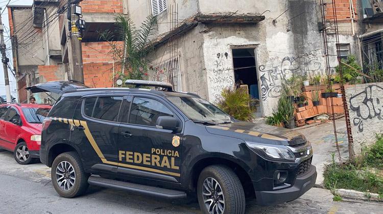 Polícia Federal cumpre 2 mandados de busca e apreensão em Cotia por supostos roubos em Araçatuba